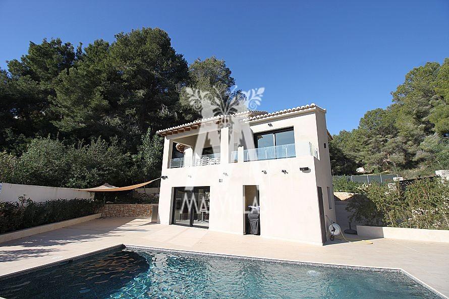 Moderne Villa met zeezicht op toplocatie - Max Villas