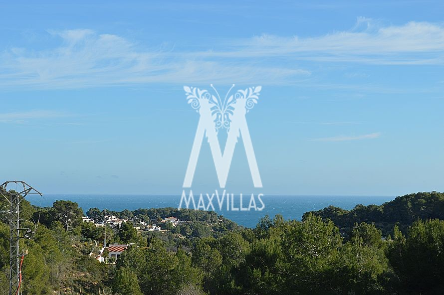Modern Villa with sea view in prime location - Max Villas