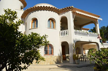 Nice villa with guest apartment