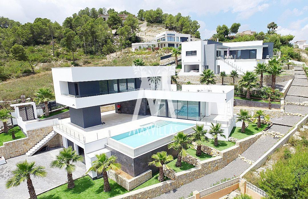 Luxe nieuwbouw villa met zeezicht