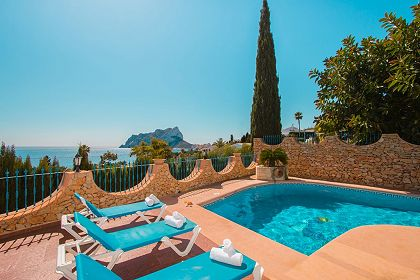 Villa at 500m from the sea, magnificent view at El Peñon de Ifach and the sea