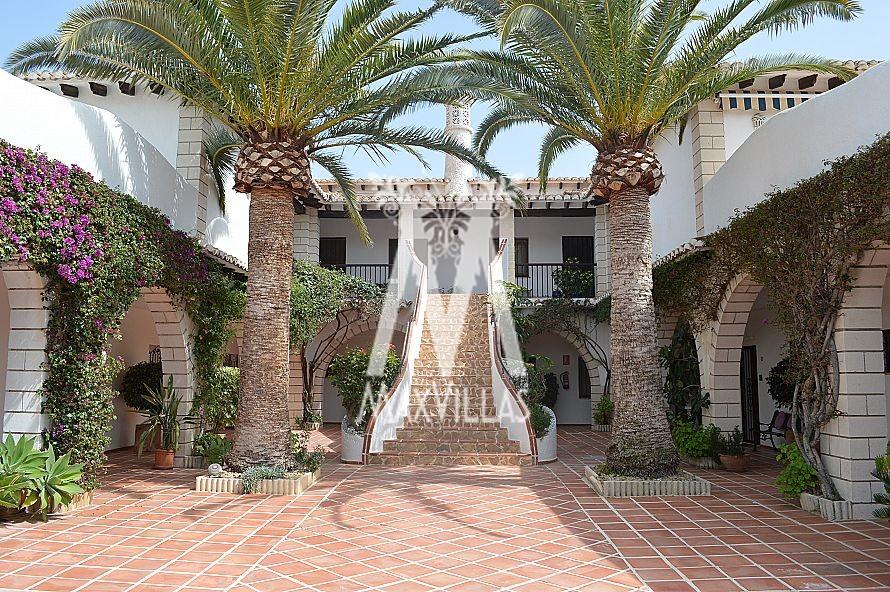 Te renoveren dubbel appartement op 500meter van La Fustera strand  - Max Villas